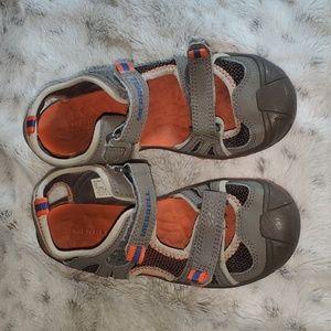 Boy's Merrell sandals Size 2M
